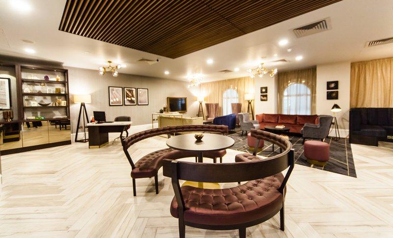 Crowne Plaza Leeds-Club Lounge<br/>Image from Leonardo
