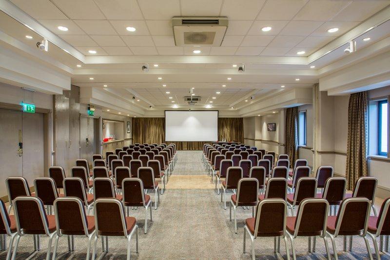 Crowne Plaza Leeds-Meeting Room<br/>Image from Leonardo