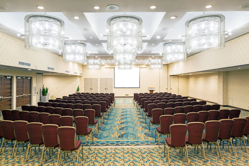Crowne Plaza Seattle-Downtown-4200 sq ft versatile space Evergreen Ballroom at CP Seattle<br/>Image from Leonardo
