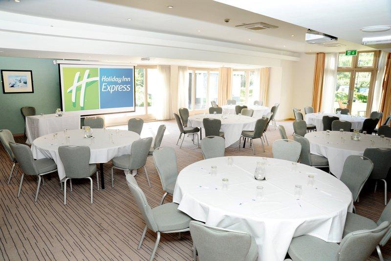 Holiday Inn Express Cambridge - Duxford M11, Jct.10-Banquet Room<br/>Image from Leonardo