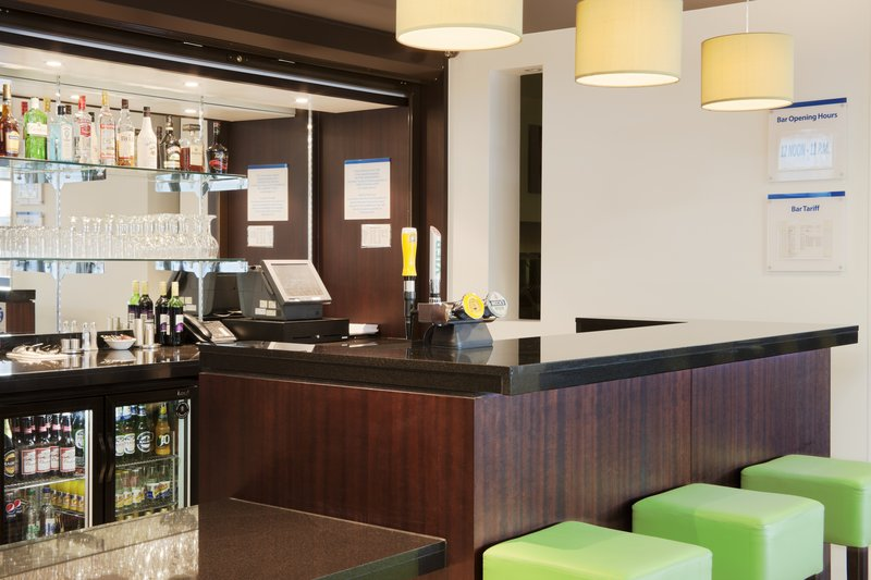 Holiday Inn Express Cambridge - Duxford M11, Jct.10-Enjoy an ice cold drink from our great selection on offer<br/>Image from Leonardo
