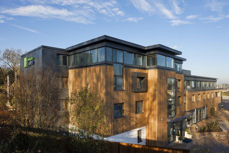 Holiday Inn Express Cambridge - Duxford M11, Jct.10-Exterior Feature<br/>Image from Leonardo
