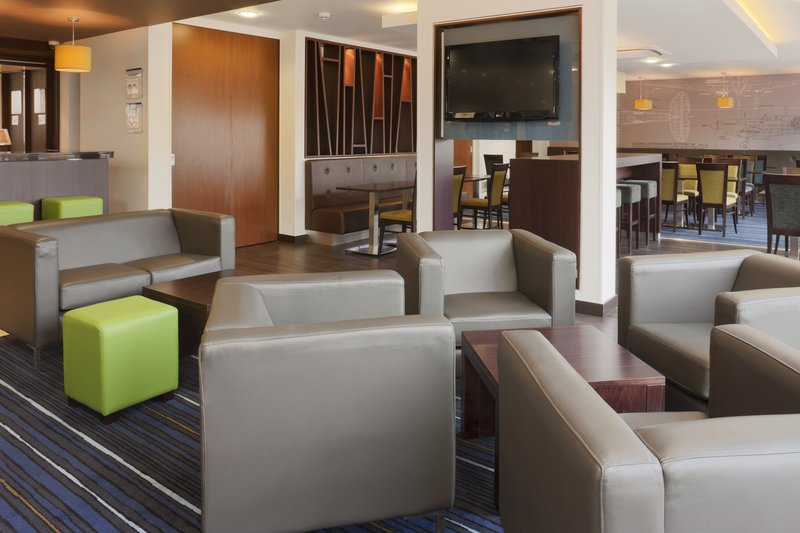 Holiday Inn Express Cambridge - Duxford M11, Jct.10-Relax and have a drink after you have checked in<br/>Image from Leonardo