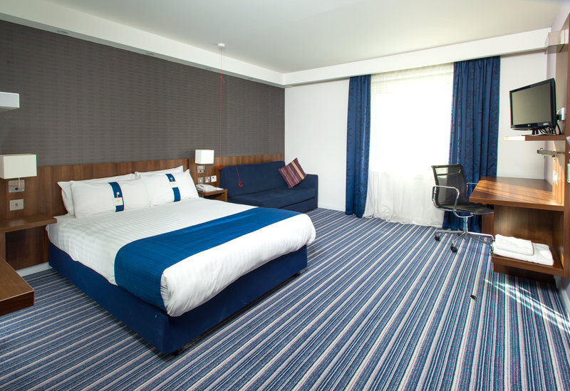 Holiday Inn Express Cambridge - Duxford M11, Jct.10-Double Accessible Bedroom<br/>Image from Leonardo