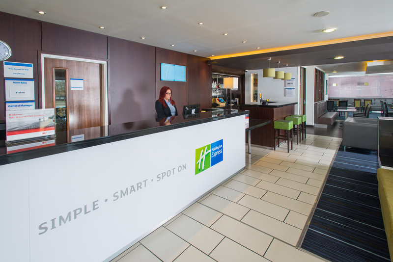 Holiday Inn Express Cambridge - Duxford M11, Jct.10-Front Desk<br/>Image from Leonardo