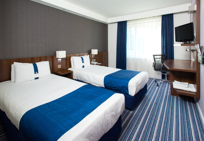 Holiday Inn Express Cambridge - Duxford M11, Jct.10-Single Bed Guest Room<br/>Image from Leonardo