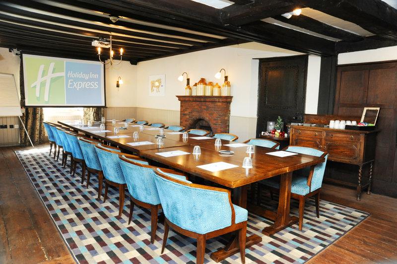 Holiday Inn Express Cambridge - Duxford M11, Jct.10-Meeting Room<br/>Image from Leonardo