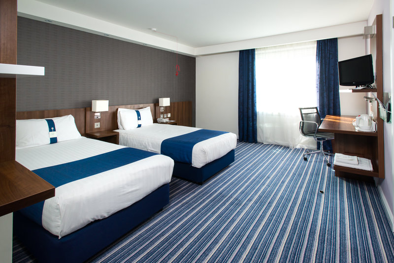 Holiday Inn Express Cambridge - Duxford M11, Jct.10-Guest Room<br/>Image from Leonardo