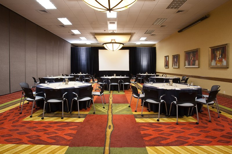 Crowne Plaza Denver Airport Convention Center-Flexible spaces perfect for your business meetings.<br/>Image from Leonardo