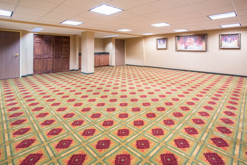 Crowne Plaza Denver Airport Convention Center-Copper Mountain Meeting Room<br/>Image from Leonardo