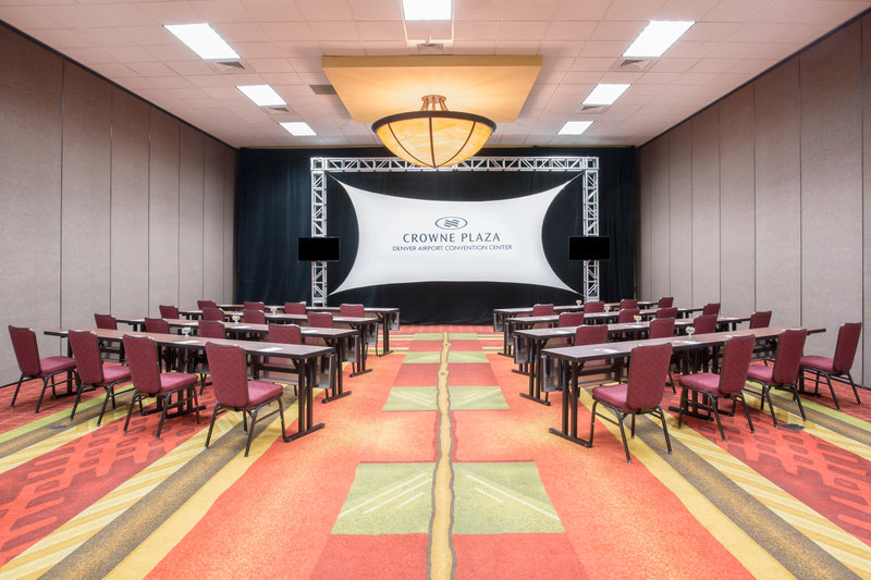 Crowne Plaza Denver Airport Convention Center-Silverton Meeting Room<br/>Image from Leonardo