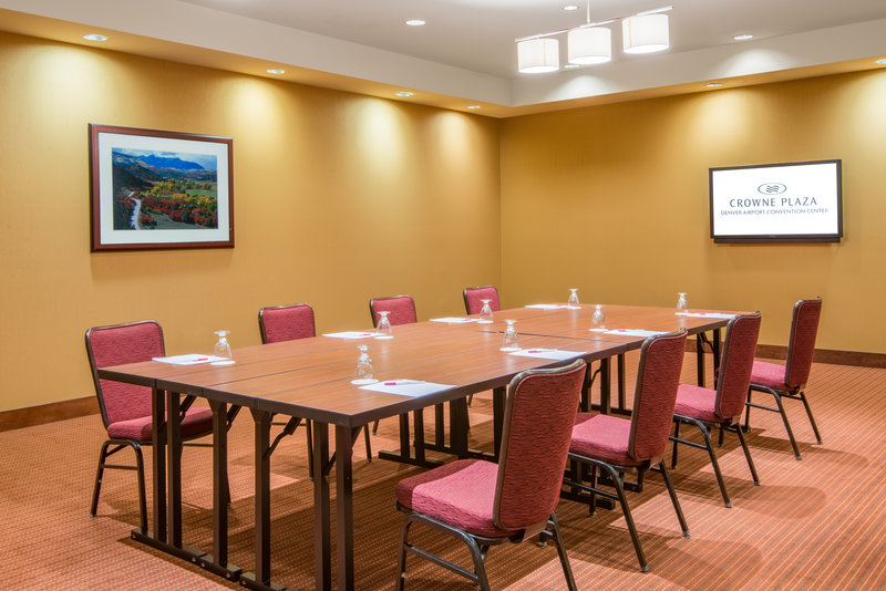 Crowne Plaza Denver Airport Convention Center-Crested Butte Meeting Room<br/>Image from Leonardo