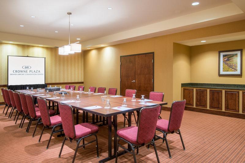 Crowne Plaza Denver Airport Convention Center-Durango Meeting Room<br/>Image from Leonardo