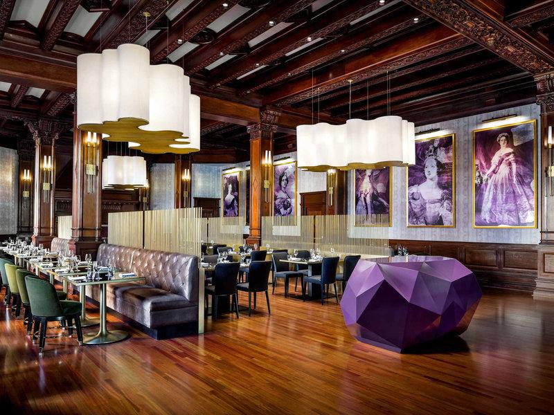 The Fairmont Empress-Restaurant<br/>Image from Leonardo