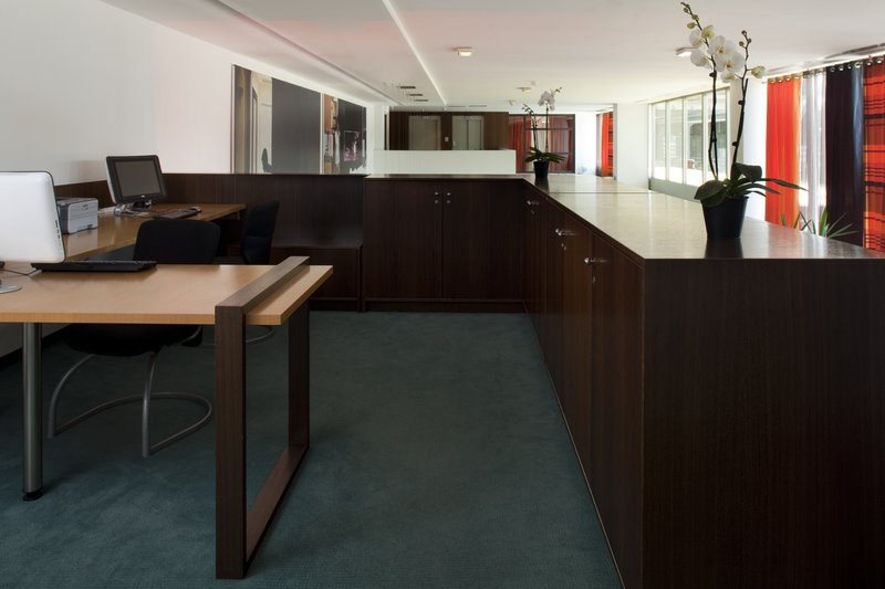 Crowne Plaza Lille - Euralille-Business Center suits to your needs 24 hours a day<br/>Image from Leonardo