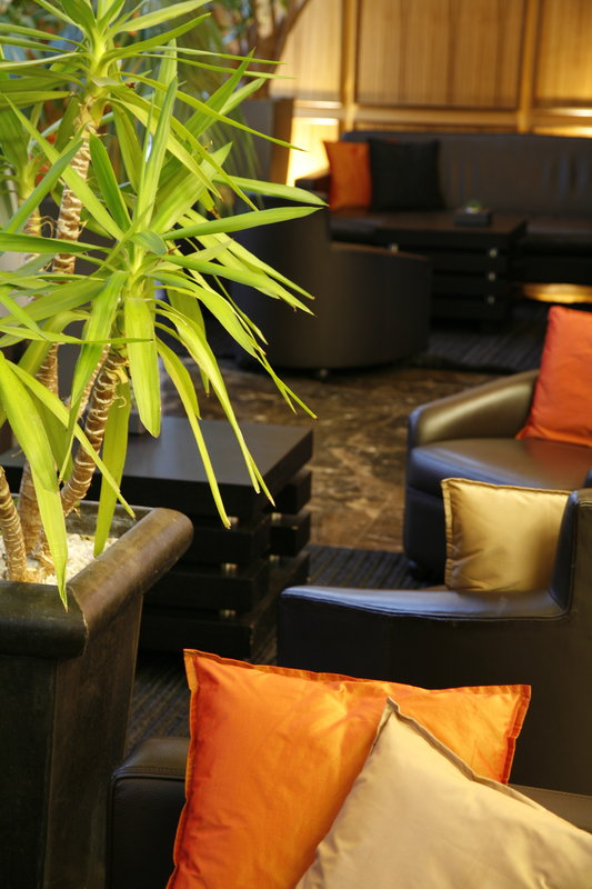 Crowne Plaza Lille - Euralille-Lobby Lounge<br/>Image from Leonardo