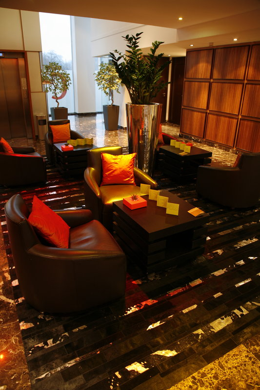 Crowne Plaza Lille - Euralille-Our Lobby is an ideal place for appointments<br/>Image from Leonardo