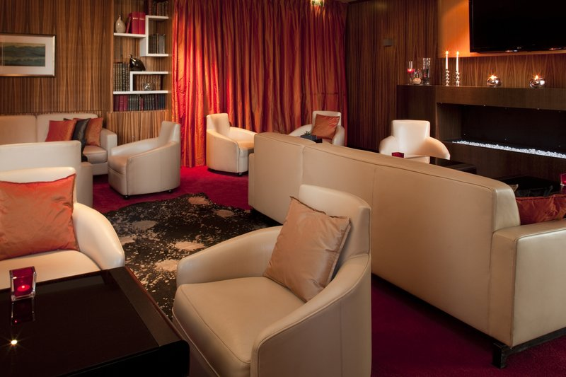 Crowne Plaza Lille - Euralille-Business appointments then chill out' before 8'<br/>Image from Leonardo