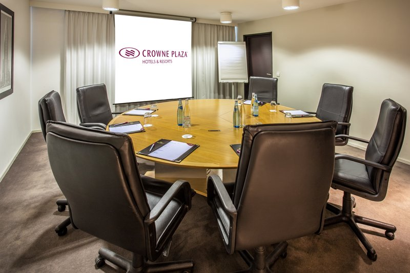 Crowne Plaza Lille - Euralille-Board Room<br/>Image from Leonardo