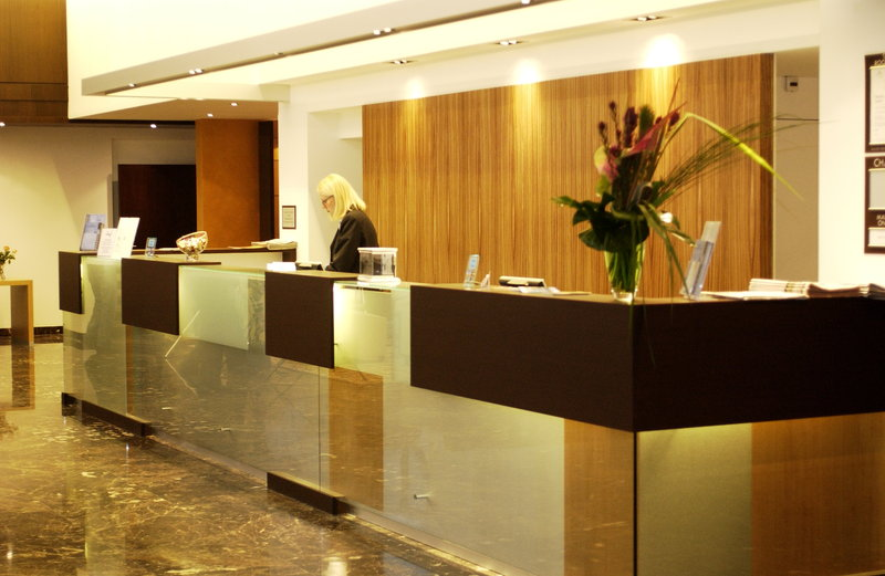 Crowne Plaza Lille - Euralille-Reception Area<br/>Image from Leonardo