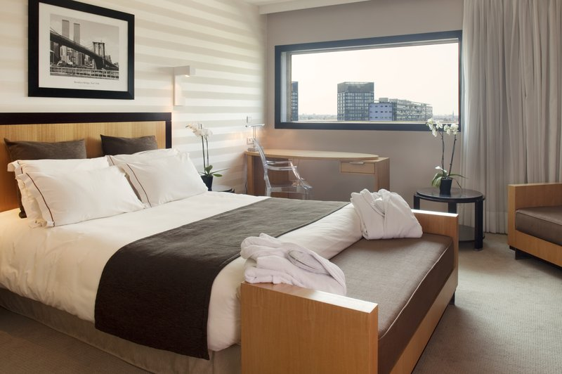 Crowne Plaza Lille - Euralille-Queen Size Bed with View<br/>Image from Leonardo