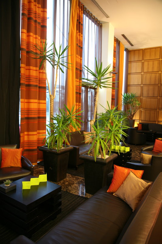 Crowne Plaza Lille - Euralille-Hotel Lobby fully equiped with wifi access<br/>Image from Leonardo