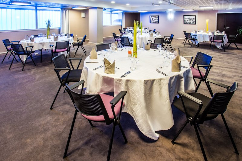 Crowne Plaza Lille - Euralille-Banquet Room<br/>Image from Leonardo