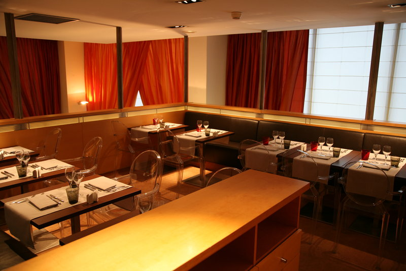 Crowne Plaza Lille - Euralille-The mezzanine in our restaurant for private meal<br/>Image from Leonardo