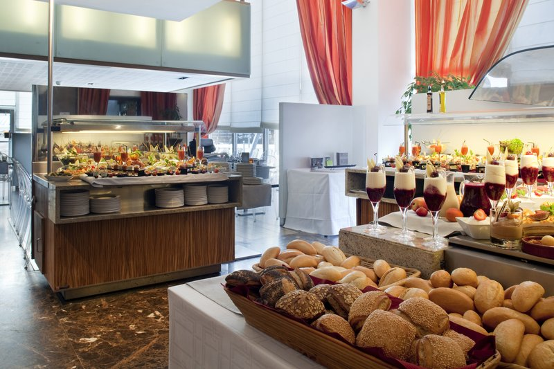 Crowne Plaza Lille - Euralille-Colourful and fresh lunch Buffet<br/>Image from Leonardo