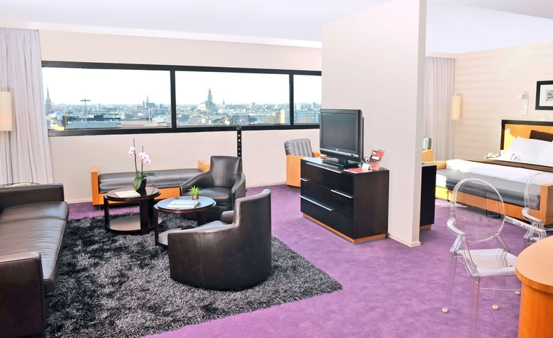 Crowne Plaza Lille - Euralille-Suite<br/>Image from Leonardo
