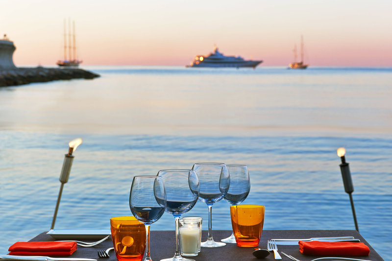 Le Meridien Beach Plaza-Dinner on the Beach<br/>Image from Leonardo