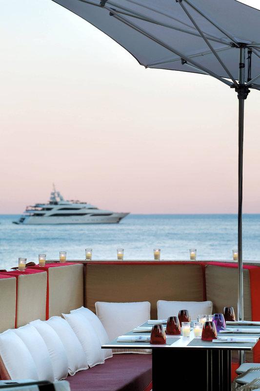 Le Meridien Beach Plaza-Muse - Captain's Corner<br/>Image from Leonardo