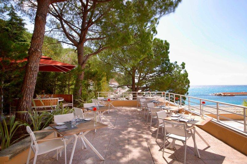 Le Meridien Beach Plaza-L'Intempo Restaurant Terrace<br/>Image from Leonardo