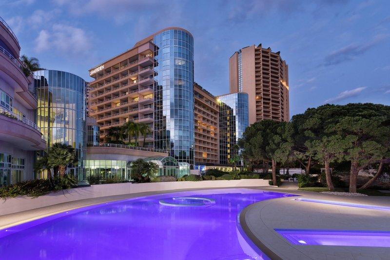 Le Meridien Beach Plaza-Outside swimming Pool hotel sea club<br/>Image from Leonardo