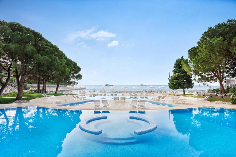 Le Meridien Beach Plaza-Pool<br/>Image from Leonardo