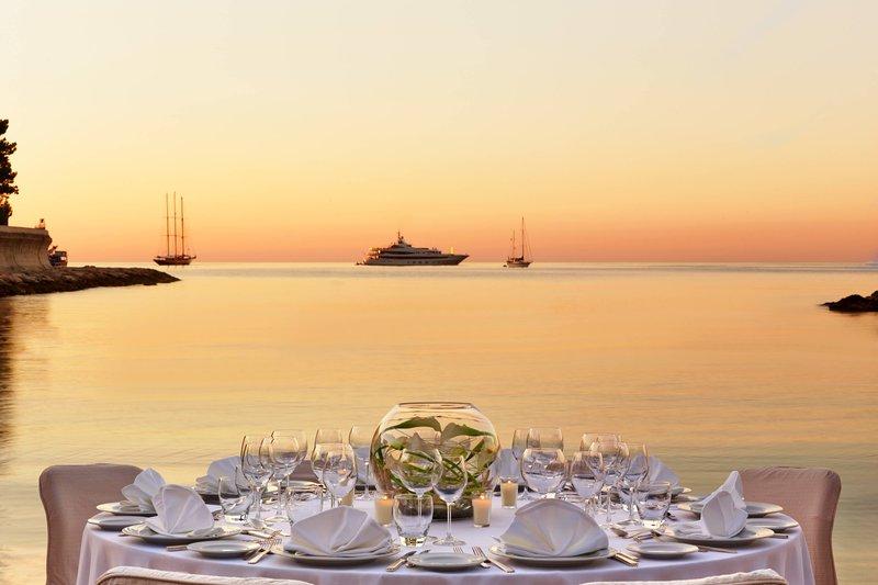 Le Meridien Beach Plaza-Beach Wedding<br/>Image from Leonardo