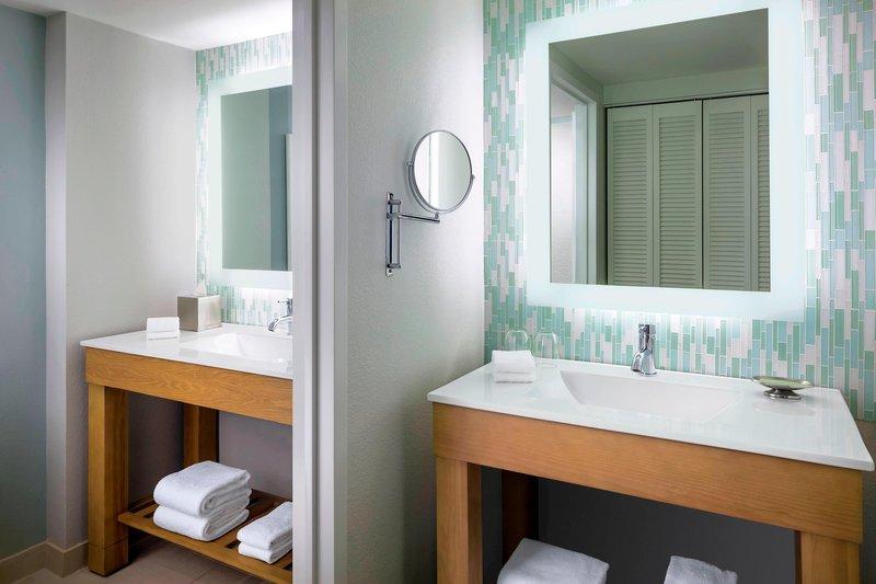 Walt Disney World Swan - Guest Bathroom <br/>Image from Leonardo