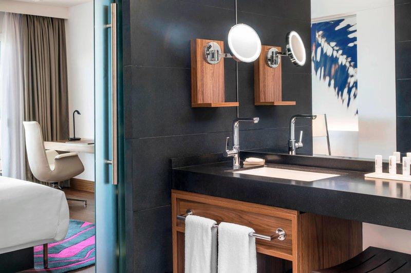 Le Meridien Noumea Resort & Spa-King Guest Bathroom<br/>Image from Leonardo