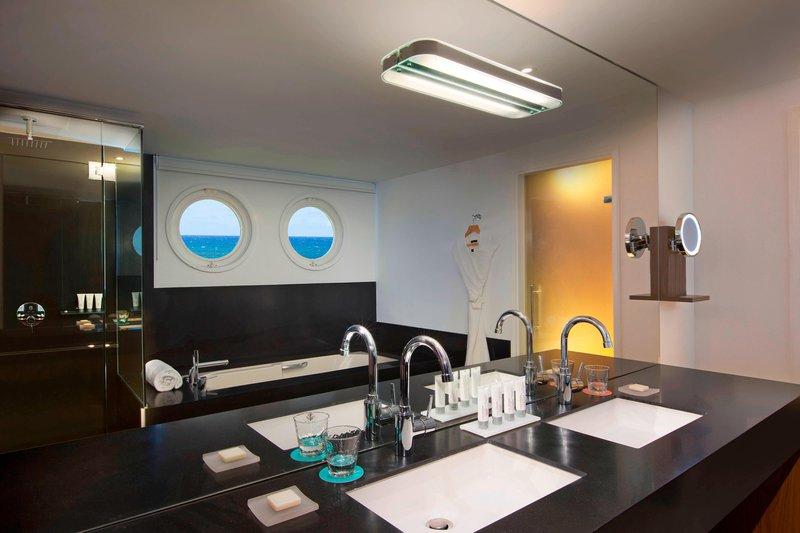 Le Meridien Noumea Resort & Spa-Diplomatic Suite - Bathroom<br/>Image from Leonardo
