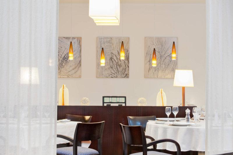 Le Meridien Noumea Resort & Spa-L'Hippocampe Restaurant<br/>Image from Leonardo