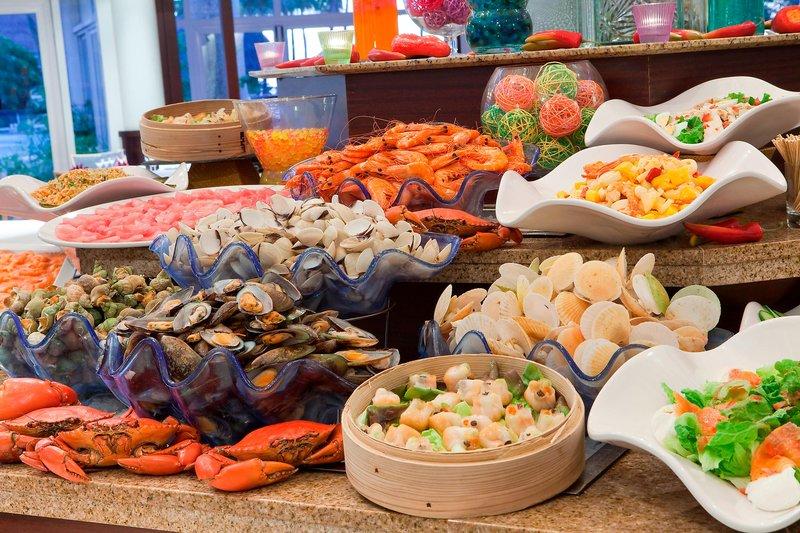 Le Meridien Noumea Resort & Spa-Le Sextant Restaurant - Seafood Buffet<br/>Image from Leonardo