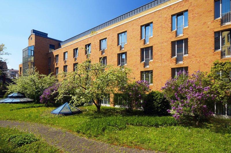 Le Meridien Stuttgart-Garden<br/>Image from Leonardo
