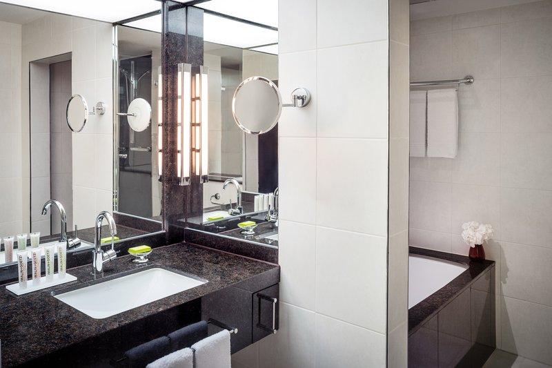 Le Meridien Stuttgart-Junior Suite Bathroom<br/>Image from Leonardo