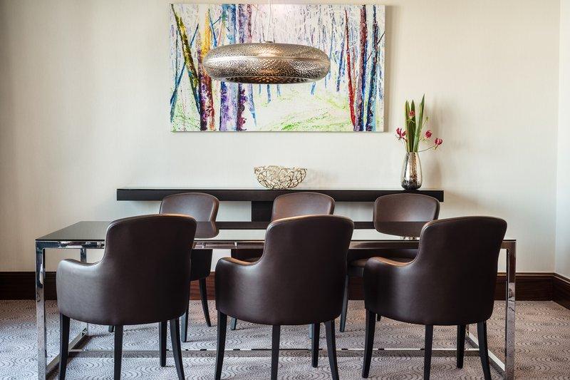Le Meridien Stuttgart-Diplomatic Suite Dining Table<br/>Image from Leonardo