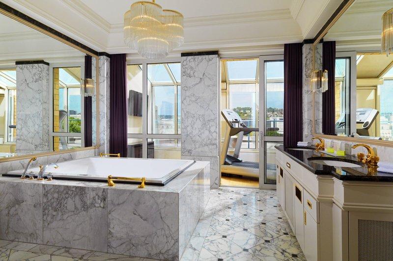 Le Meridien Stuttgart-Presidential Suite - Bathroom<br/>Image from Leonardo