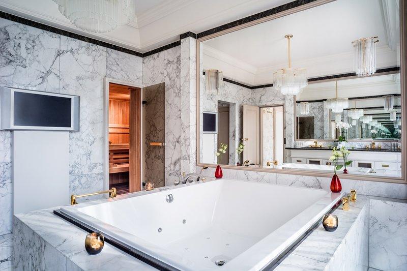 Le Meridien Stuttgart-Presidential Suite Bathroom<br/>Image from Leonardo