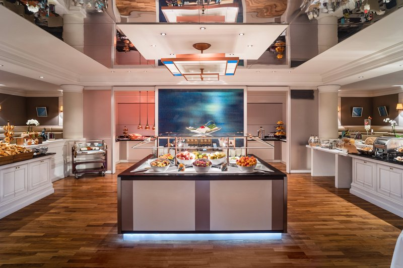 Le Meridien Stuttgart-Breakfast Room<br/>Image from Leonardo