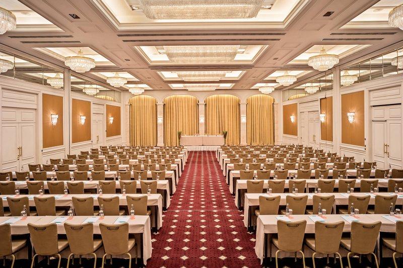 Le Meridien Stuttgart-Ballroom Elysee Podium Setup<br/>Image from Leonardo