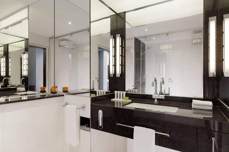 Le Meridien Stuttgart-Guest Bathroom<br/>Image from Leonardo