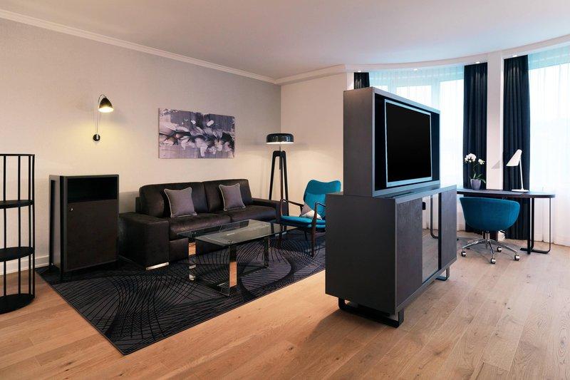 Le Meridien Stuttgart-Junior Suite<br/>Image from Leonardo